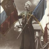 La France et la Russie – 1 impression photomécanique (carte postale), noir et blanc ; 14 × 9 cm (support), s.d., 1 Fi 4637.